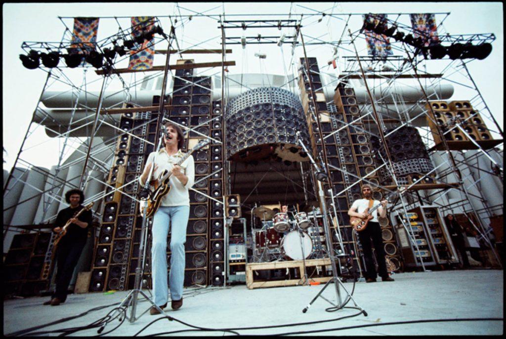 El Muro de Sonido fue el nombre que dieron a su monstruosa instalación de sonido