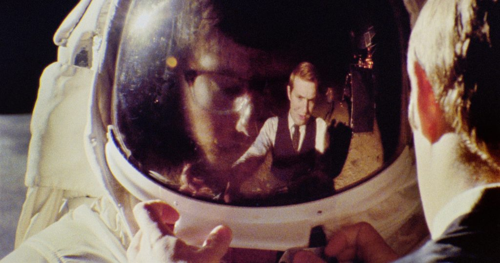 Still de Operation Avalanche