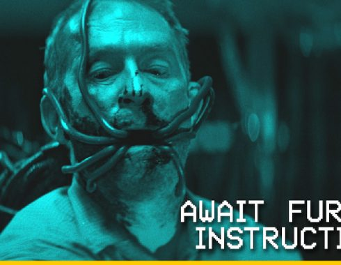 """Await Further Instructions"", una horrible cuarentena en familia"